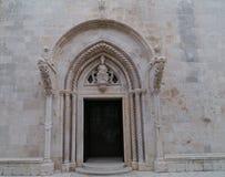 Een sierdetail van St Marco in Korcula Stock Foto's
