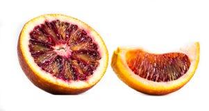 Een sinaasappel op een witte achtergrond Stock Foto