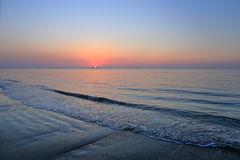 Een spectaculaire zonsopgang over het overzees Royalty-vrije Stock Foto