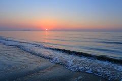 Een spectaculaire zonsopgang over het overzees Royalty-vrije Stock Afbeelding