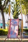 Een speelplaatsdia zonder kinderen Stock Foto