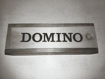 Een spel van domino's in zwart-wit royalty-vrije stock afbeeldingen