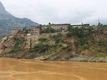 Een stad op de Rivier Yangtze Royalty-vrije Stock Fotografie