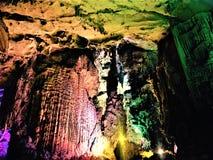 Een stalactiet van natuurlijke schoonheid stock afbeeldingen