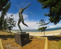 Een standbeeld herdenkt Spyros Louis, winnaar van de eerste Olympische marathon in 1896 bij Brighton-le-Zand stock fotografie