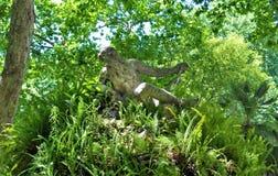Een standbeeld in een tuin, Liberdade-Weg - Lissabon royalty-vrije stock afbeelding