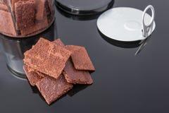 Een stapel chocoladekoekjes Royalty-vrije Stock Afbeeldingen