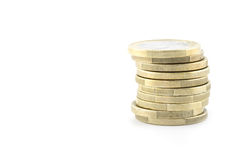 Een stapel gouden en zilveren Euro muntstukken Stock Afbeelding