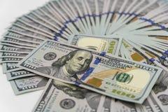 Een stapel ons 100 dollarscontant geld Stock Foto