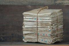Een stapel oude brieven royalty-vrije stock foto's