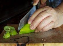 Een stapel van fijn - gehakte Spaanse peperspeper Stock Foto's