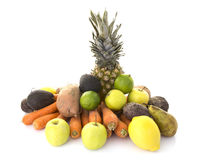 Een stapel van gezond vers organisch fruit en veg royalty-vrije stock foto's