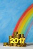 Een stapel van gouden Australische dollarmuntstukken met jaar 2017 agains Stock Afbeeldingen