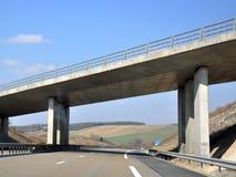 Een stedelijke brug Stock Afbeeldingen