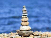 Een steenpiramide Royalty-vrije Stock Afbeeldingen