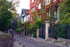 Een stille straat met huizen Stock Afbeelding