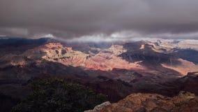 Een Stortbui verlengt Grand Canyon, Arizona stock videobeelden