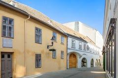 Een straat in de stad van Baden dichtbij Wenen na Kerstmis oostenrijk royalty-vrije stock fotografie