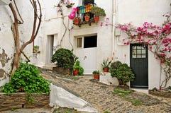 Een straat van Cadaques, Spanje Stock Foto