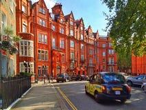 Een straat van Londen in Kensington Stock Fotografie