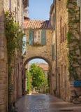 Een straat in Vezenobres Stock Foto