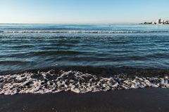 Een strand in de Zwarte Zee stock afbeelding