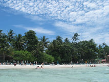 Een strand - een vakantieparadijs Stock Afbeeldingen