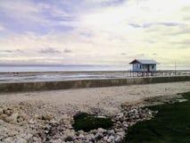Een Strandplattelandshuisje met mooie landsacape Royalty-vrije Stock Fotografie