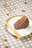 Een stuk van chocoladecake met chocoladeglans Stock Fotografie