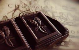 Een stuk van zwarte chocolade royalty-vrije stock afbeeldingen