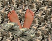 Een succesvolle mens is vol in geld royalty-vrije stock afbeeldingen