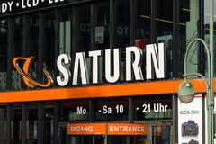 Een supermarkt van elektronika Saturn op Kurfuerstendamm Stock Afbeelding