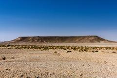 Een tafelblad sedimentaire vorming in de woestijn dichtbij Riyadh, Saudi-Arabië stock foto