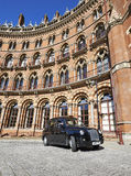 Een Taxi van Londen of een 'Zwarte Cabine' in StPancras Stock Fotografie
