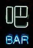 een teken van het Neon van staaf in Chinees Stock Afbeeldingen