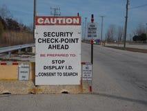 Een teken van het veiligheidscontrolepunt Stock Afbeeldingen