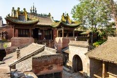 Een tempel in het dorp van Zhangbi Cun, dichtbij Pingyao, China, beroemd voor het is ondergrondse vesting stock afbeelding