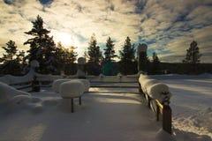 Een terras onder sneeuw in Lapland finland stock foto's