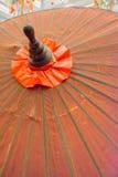Een Thaise paraplu met de hand gemaakte mooie kleur Stock Afbeeldingen