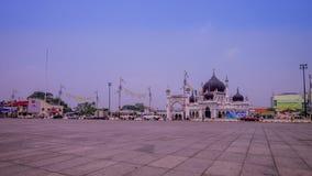 Een tijdspanne op Dataran Masjid Zahir in Kedah Maleisië stock videobeelden