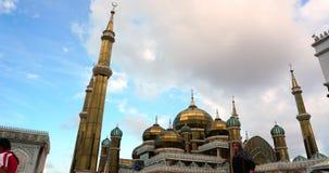 Een timelapse van Crystal Mosque of Masjid Kristal is een moskee in Terengganu, Maleisië Filter neer stock video