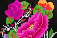Een traditioneel handborduurwerk bloemen stock afbeelding