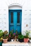 Een traditionele Cycladic-straat in Plaka, Milos-eiland, Griekenland royalty-vrije stock foto's