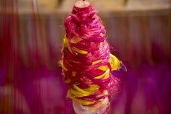 Een traditionele Jamdani-saree in Mirpur Benarashi Palli Dhaka, Bangladesh Royalty-vrije Stock Fotografie