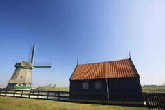 Een traditionele Windmolen in Holland voor watermanagem Royalty-vrije Stock Fotografie
