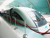 Een trein van Shanghai Maglev royalty-vrije stock foto's