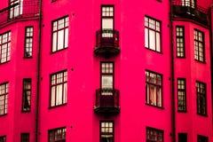 Een trillend roze huis stock foto