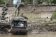 Een trillende Natte bootmarkt op het Deltasouther van Makong deel van het land waar de belangrijkste industrie bewerkt stock foto's