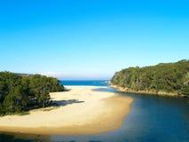 Een tropisch strand in Australië Stock Afbeeldingen
