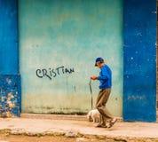 Een typische mening in Havana in Cuba royalty-vrije stock foto's